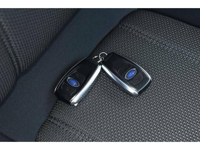 キーレスアクセス&プッシュスタートつきでキーをポケットやお鞄に入れたままエンジンの始動、ドアロックの開閉が可能です。