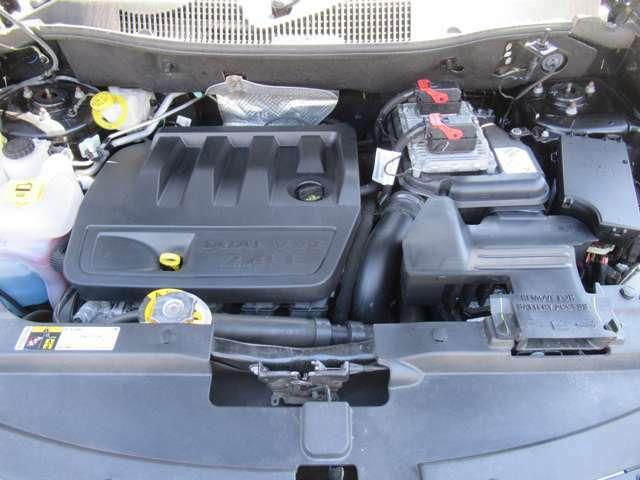 直列4気筒DOHC16バルブ 2400cc 出力:170ps(125kW)/6000rpm トルク:22.4kg・m(220N・m)/4500rpm(カタログ値)