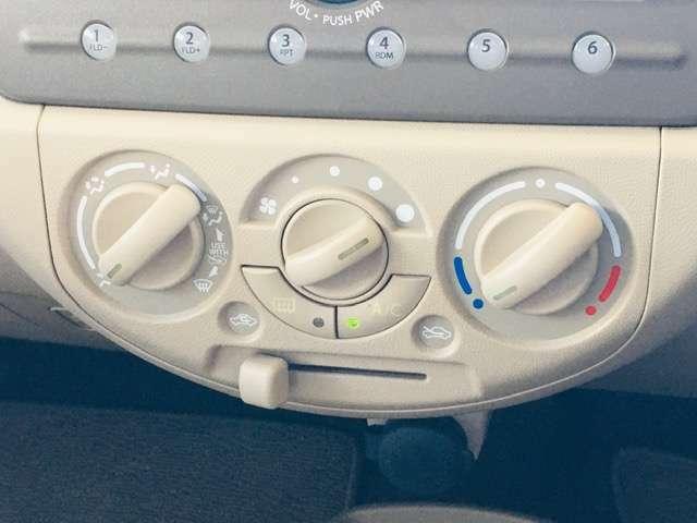 エアコンはマニュアルとなっており、好みに合わせて温度調節を☆
