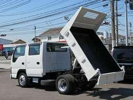 荷台内寸【長さ204cmX横幅160cmXアオリ高さ32cm】・最大積載量2000kg