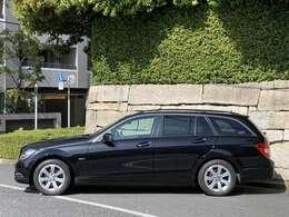 長さ461cm 幅177cm 高さ146cmです。価格は車検を取得してお渡しをさせて頂く総額になります。