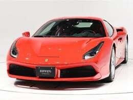 ボディカラーRosso Corsa(赤)にインテリアRosso Ferrari(赤)の組み合わせでございます。