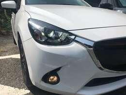 コンパクトカー、デミオが入荷致しました!色はスノーフレイクホワイトパールマイカでグレードはXD Touringです☆